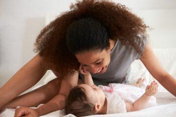 brabbelen baby en moeder