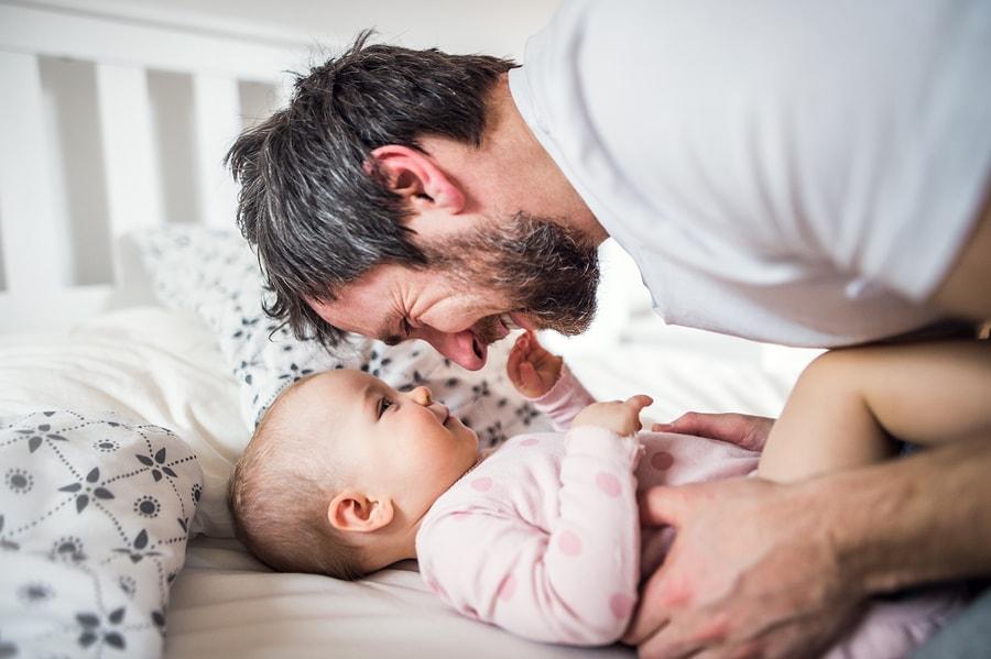 Vader spaart kinderbijslag voor zijn baby