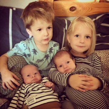 Florian en Celeste met hun oudere broer en zus
