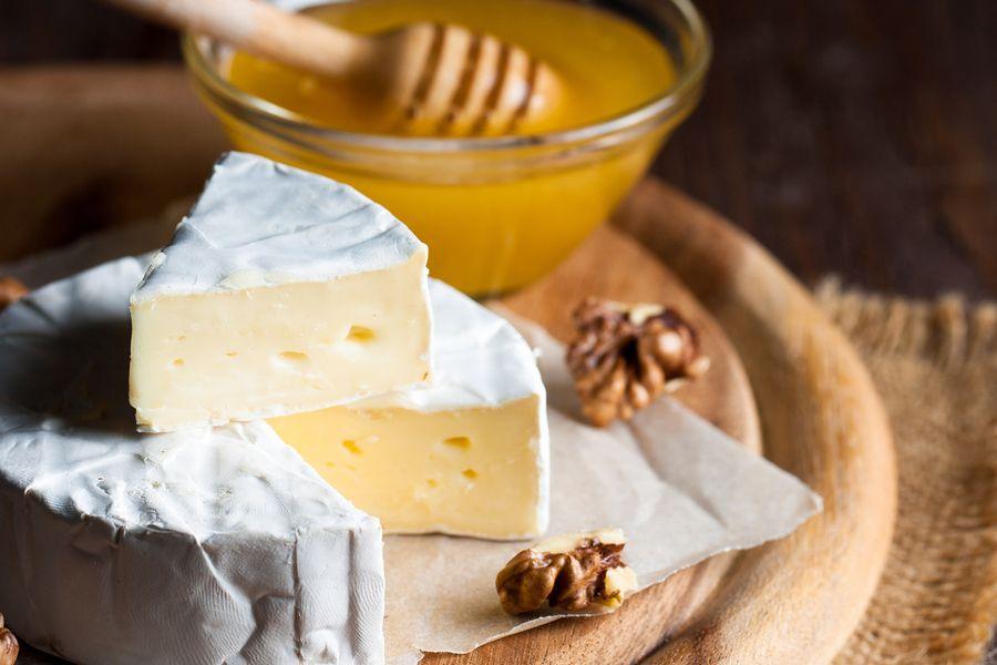 Brie wordt gegeten tijdens de zwangerschap