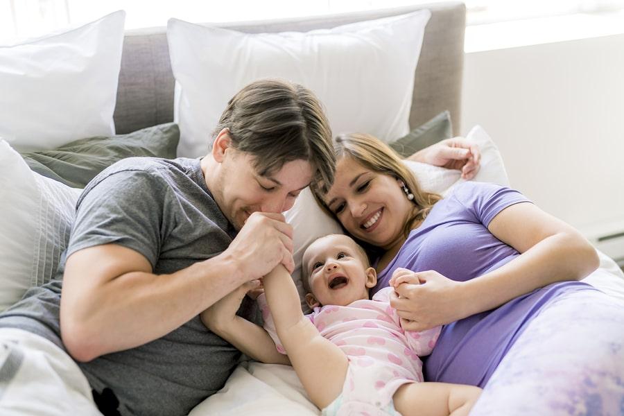 Vaders zijn even geschikt om kinderen op te voeden als moeders