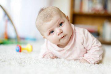 Pasgeboren meisje