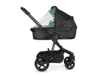 Een regenhoes voor de kinderwagen, accessoires voor de kinderwagen