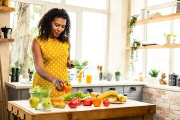 Zwangere vrouw zorgt dat ze gezond kan aankomen tijdens de zwangerschap