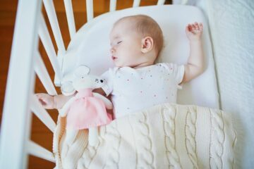 Baby ligt te slapen met goede TOG-waarde