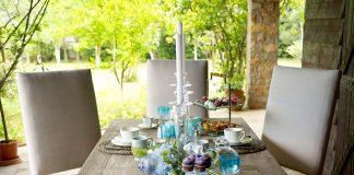 En cualquier evento donde habrá comida, es necesario poner la mesa decorada adecuadamente, a continuación te contamos los elementos básicos.