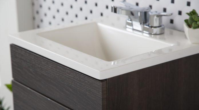 Aunque pareciera una tarea muy laboriosa, cambiar la llave del lavabo es sencillo y puedes hacerlo tú mismo, sólo necesitas cumplir algunos pasos.