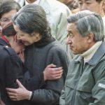 Emperor-Akihito-Empress-Michiko-Meet-earchquake-survivor
