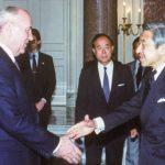 Emperor-Akihito-greets-soviet-president