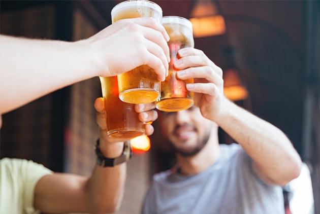 研究:酒喝多喝少 都對健康不好