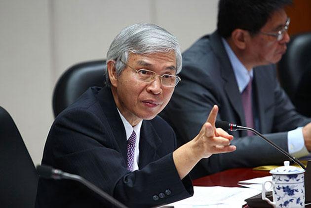 美國升息,台灣不動 央行總裁楊金龍為什麼放任利差擴大?