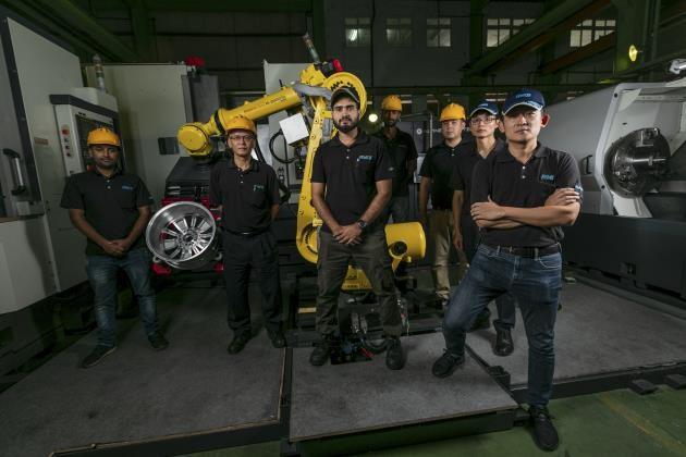 員工上課進修算加班!70年老機械廠這樣拚出AI智慧產線