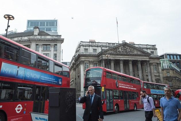 英國脫歐若「硬」著來,經濟損失增1倍!