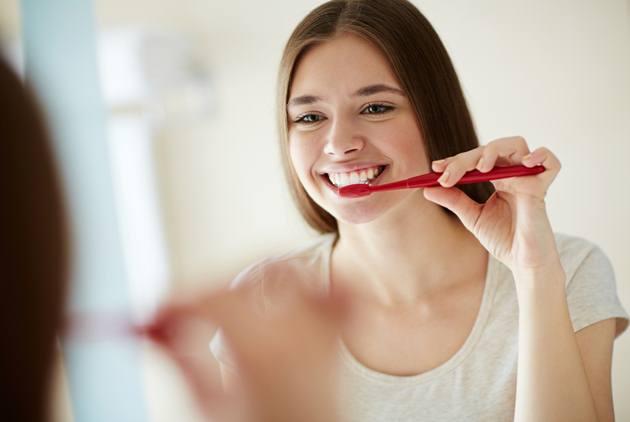 除了刷牙,為何還要刷舌頭?