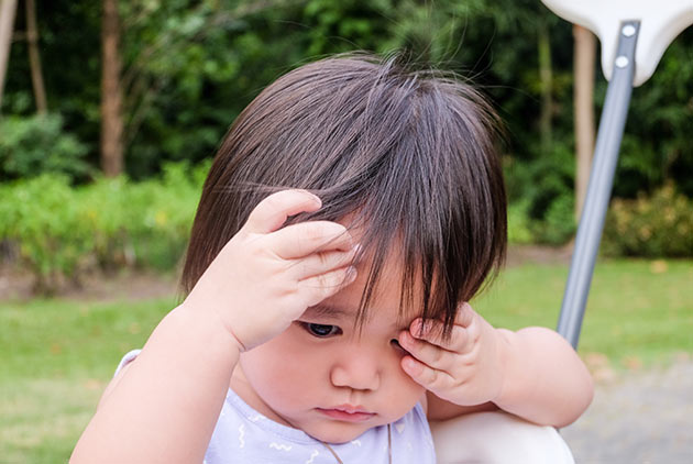 寶寶常揉眼恐為過敏開端 放著不管恐影響情緒發展