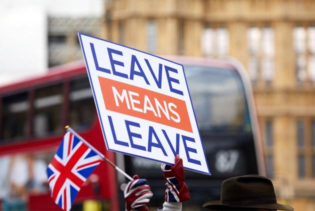 英國國會否決脫歐協議,英鎊卻漲了 接下來會怎...