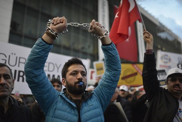 全球251位記者遭囚,最愛關記者的前五名國家是?