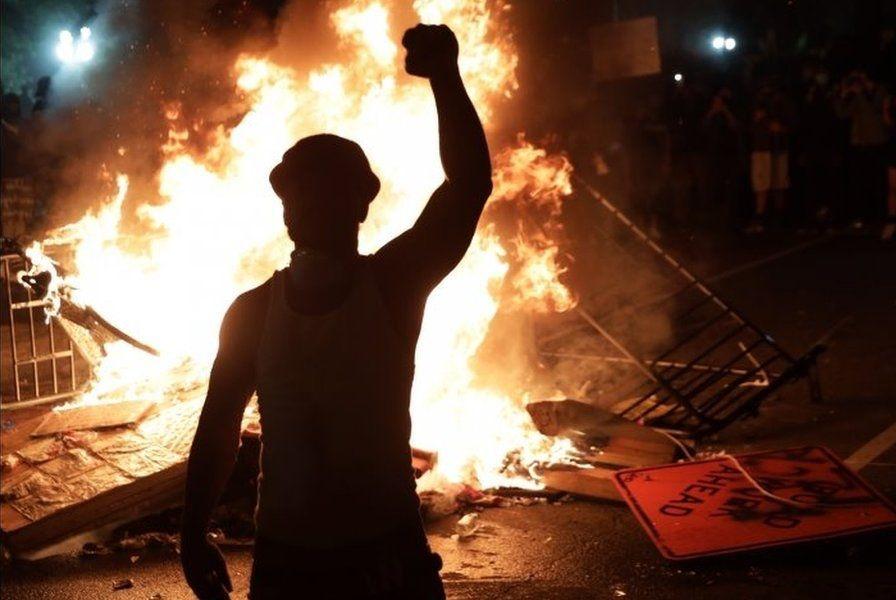 華府宵禁夜現場  佛洛伊德之死引發美國暴動加劇