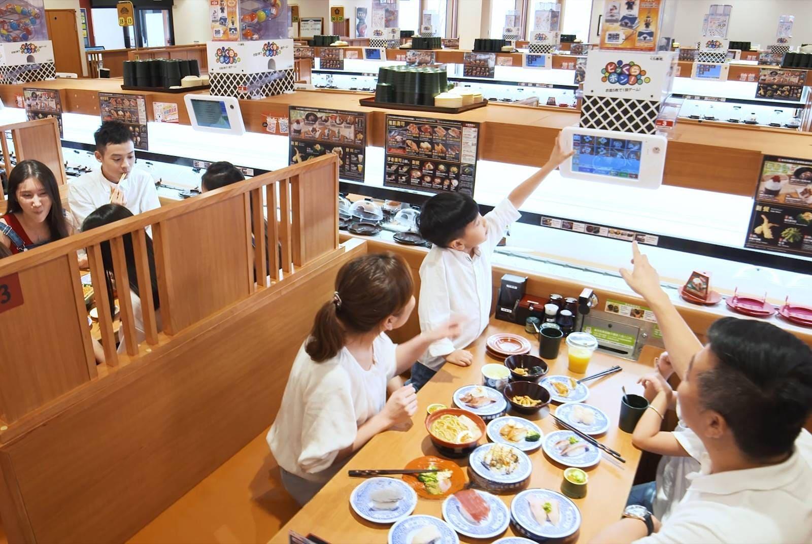 「抽扭蛋」讓藏壽司客單價多2成!背後竟是一個歐吉桑貼心發明