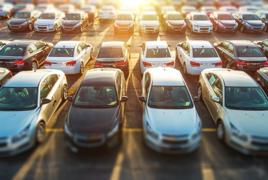vehículos-tenencia-méxico-autos-bigstock