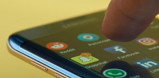 WhatsApp-Apps-movil-Bigstock