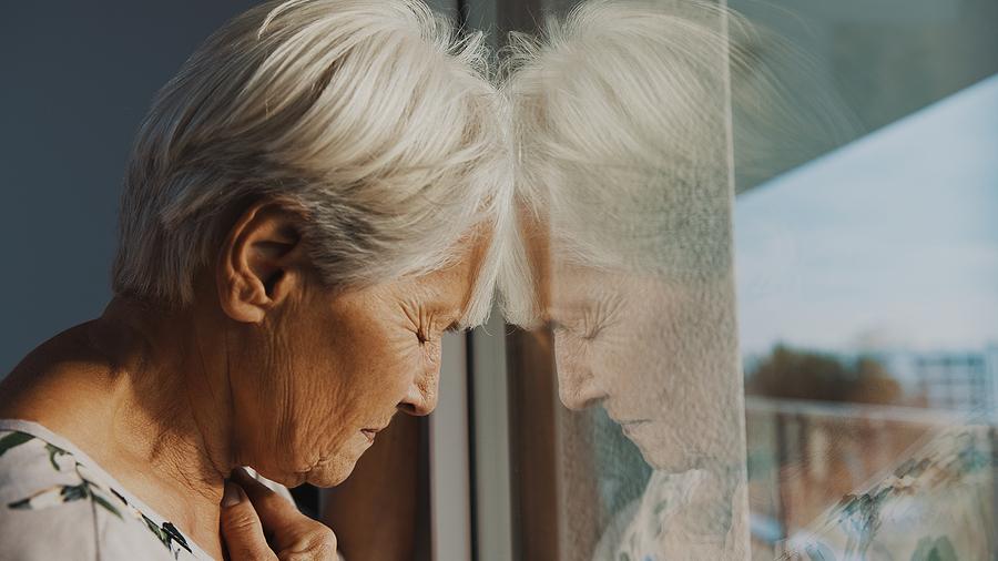 soledad-aislamiento-social-adultos-mayores
