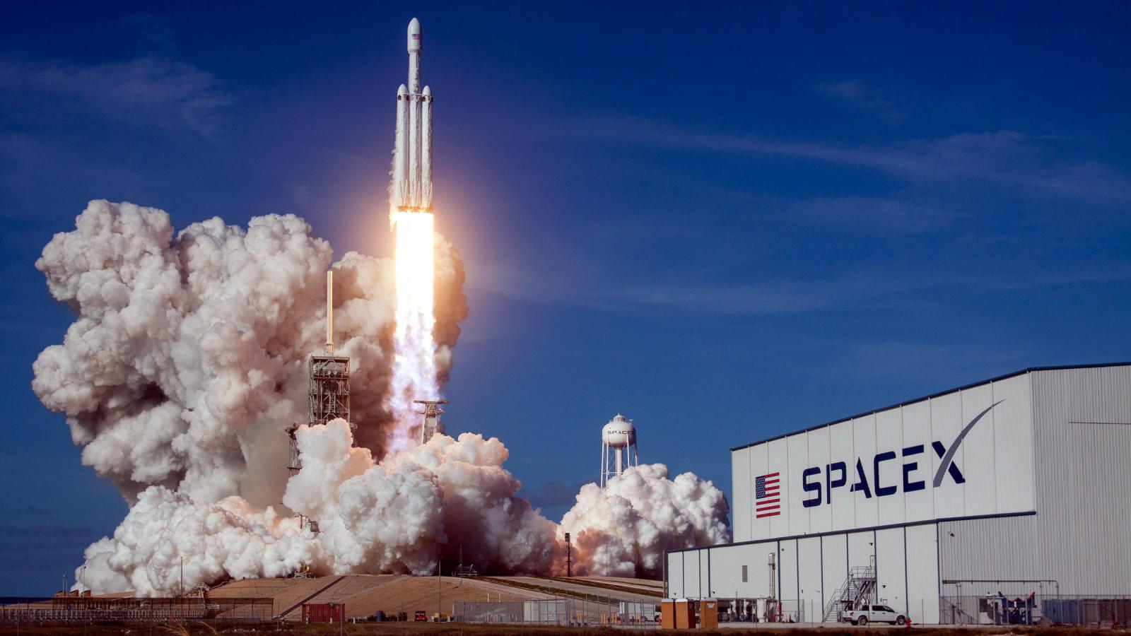 SpaceX-Luna-Espacio
