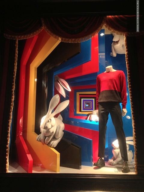 DLT-Circus-Magic-Fashion-windows-2013-Summer-St-Petersburg-03