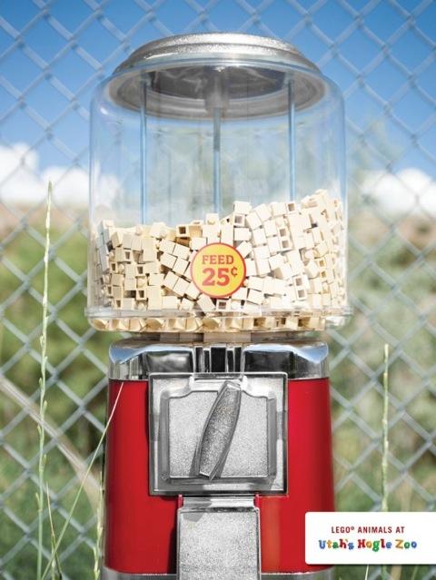hogle-zoo-lego-dispensador-550x733