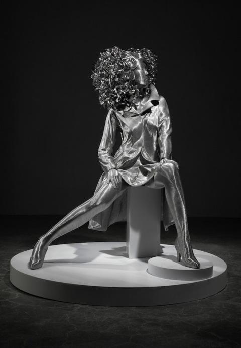 Esculturas-aluminio-Seung-Mo-Park3-660x952
