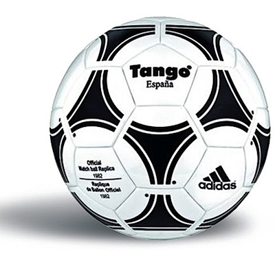 El diseño de este balón (con veinte piezas con tríadas que creaban la  ilusión óptica de que había 12 círculos idénticos) 4366c21f2d3f9