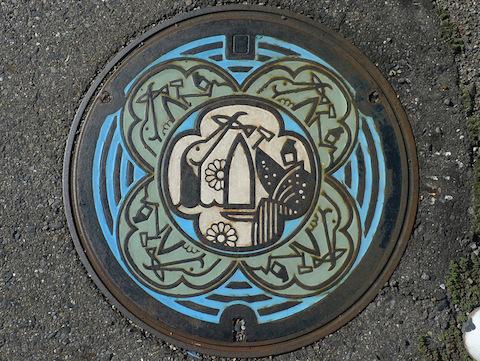 Japanese-manhole-cover-art-15