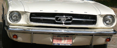 800px-1965_Mustang_4