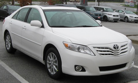 2010_Toyota_Camry_XLE_--_11-25-2009