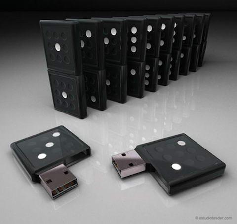 Domino-USB-Drive