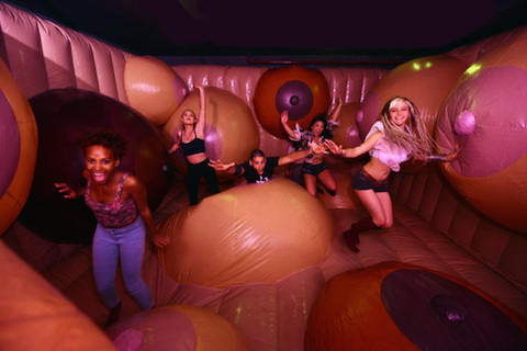 bompas-parr-boob-bounce-castle-museum-sex-designboom-01