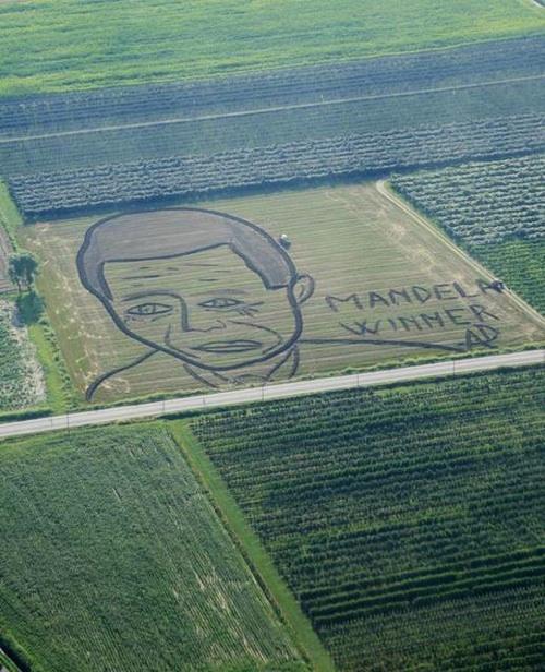 Sculture e gigantografie di Nelson Mandela in tutto il mondo