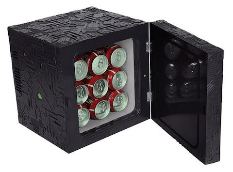 1cb0_borg_cube_fridge_open