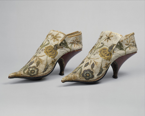 French.-Shoes-1690–1700