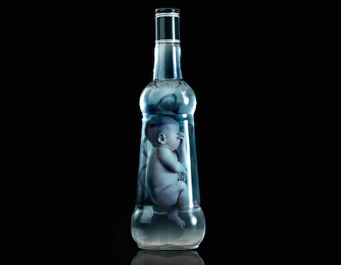 fabricas-too-young-to-drink-campaign-cautions-alcohol-during-pregnancy-designboom-01