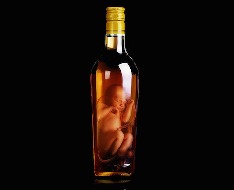 fabricas-too-young-to-drink-campaign-cautions-alcohol-during-pregnancy-designboom-05