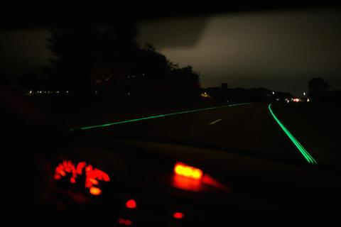 3037527-slide-s-1-glowing-highways-go-live-in-the-netherlands