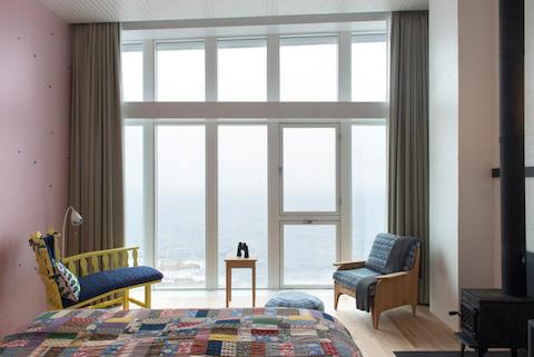 3037610-slide-s-11-check-out-the-most-remote-design-fogoislandroom266606phptoalexfradkin