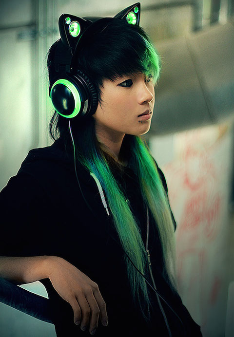 cat-ear-headphones-axent-wear-4