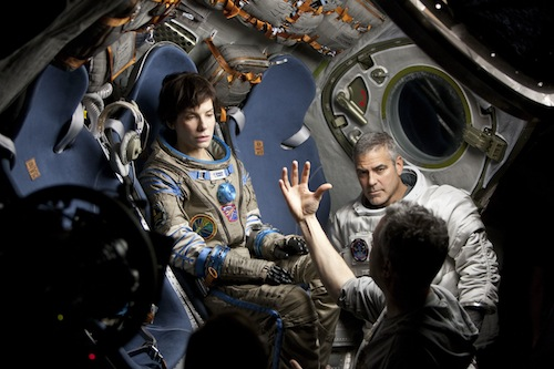 Sandra Bullock, George Clooney, y Alfonso Cuarón. Foto MoMA