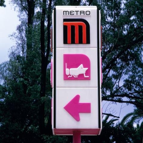 Señalización para las estaciones del Metro. Cortesía MUAC