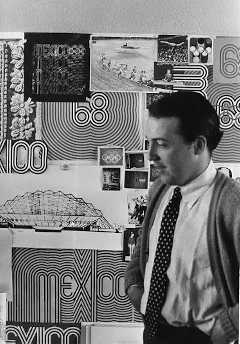 Lance Wyman en el estudio del Comité Olímpico. Ciudad de México, 1967. Cortesía MUAC