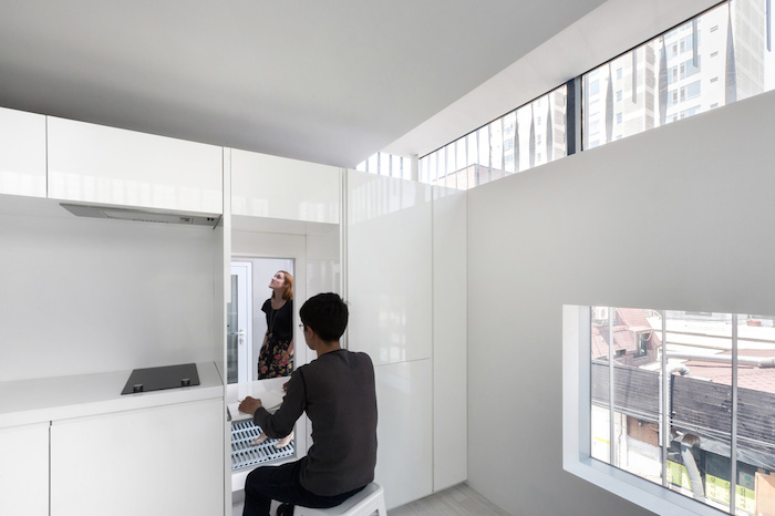 3038078-slide-s-2-the-perfect-apartment-for-breaking-up