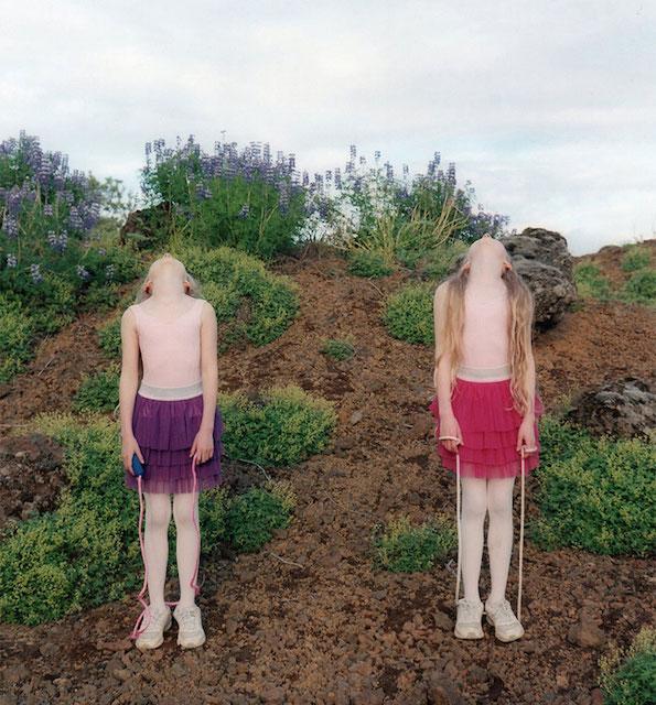 identical-twins-erna-hrefna-photography-iceland-ariko-inaoka-15