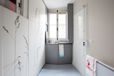 kitoko-studio-8-sqm-tiny-apartment-paris-designboom-01